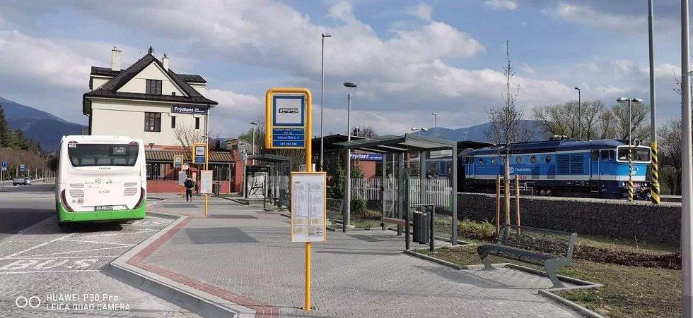 Přestupní terminál ve Frýdlantu nad Ostravicí.