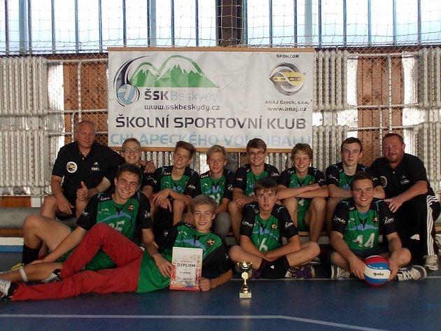 Vítězem turnaje se nakonec stali domácí volejbalisté z ŠSK Beskydy.