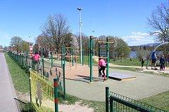 Lokalita u přehrady Olešná přilákala v sobotu stovky lidí.