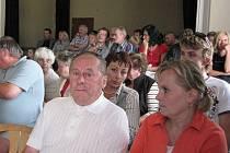 Velmi bouřlivé jednání zastupitelstva má za sebou Jablunkov. V úterý přišly na radnici desítky lidí, většina z nich žije v místní části Bělá, kde chtěla českotěšínská firma postavit bioelektrárnu.