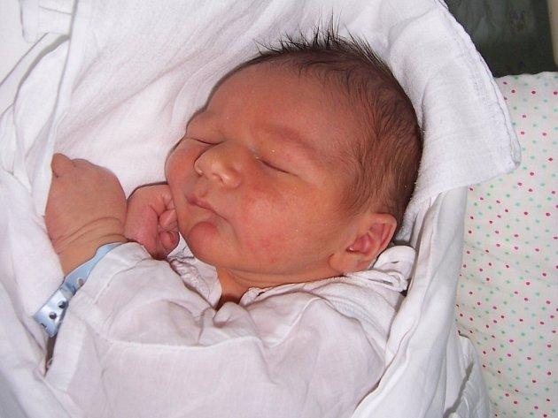 Mikeš Macek z Vendryně, nar. 1.6., 55 cm, 4,17 kg, nemocnice Třinec.