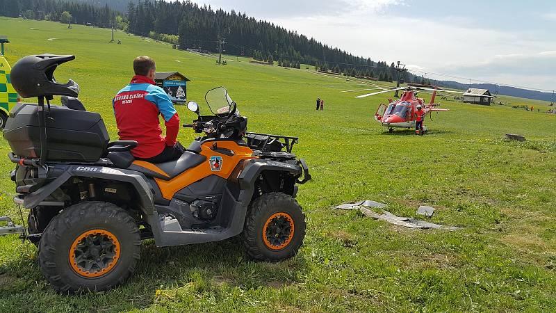 Alergika pobodaly vosy, pomáhali záchranáři i horská služba.