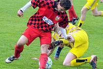 Fotbalisté Palkovic si vyšlápli na lídra z Písku, když jej porazili doma 2:0.
