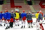 Oceláři na tréninku před duelem s Vítkovicemi.