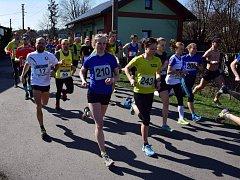 Na start letošního ročníku Běhu Hrádkem se postavilo 487 závodníků.