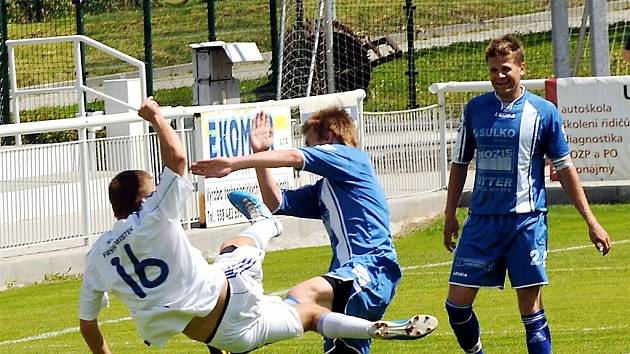 Třetiligoví fotbalisté Frýdku-Místku udolali tým Zábřehu, když rozhodující branka utkání padla v poslední minutě z pokutového kopu.