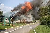 Požár dřevěnice v Horních Tošanovicích.