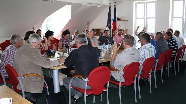 Ustavující schůze nového sdružení.