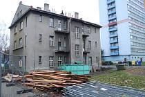 Demolice Domu Pionýrů začala.