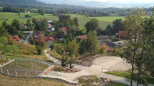 V Malenovicích mají renovovaný lesopark na svahu Borová.