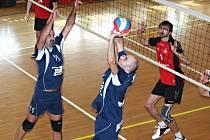 Volejbalisté palkovického Sokola v Bučovicích dvakrát prohráli. První duel 3:0, ve druhém už svěřenci trenéra Filipa Hanáka získali jeden set.