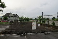 U nádraží v Bystřici bude nové parkoviště.