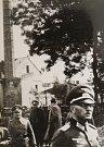 Němečtí vojáci před budovou Czajankových kasáren.