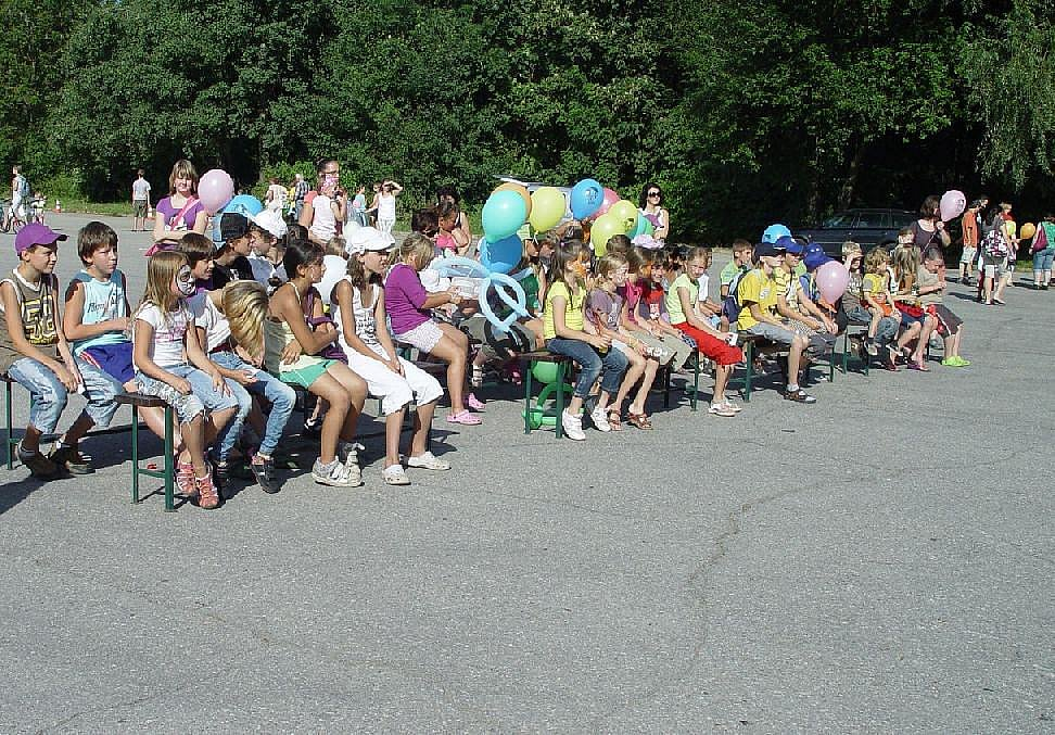 Při zakončení letošních Prázdnin v 3nci přálo organizátorům počasí. Přišlo více než 400 dětí.