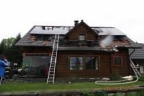 Požár dřevostavby rodinného domu ve Vendryni.
