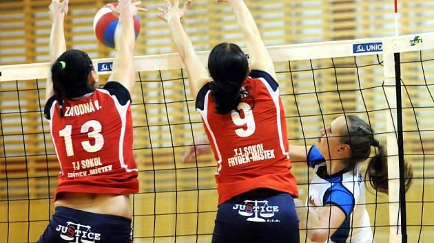 Extraligové volejbalistky Frýdku-Místku porazily na domácí palubovce tým Přerova ve třech setech.