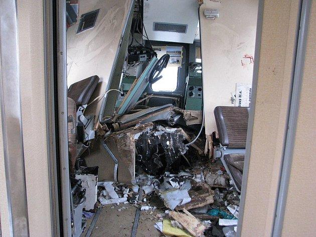 Záběry z vlaku, jehož strojvůdce pravděpodobně srážku zavinil.
