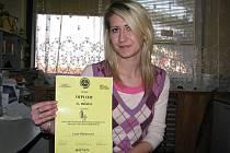 Lucie Braneacová s diplomem za druhé místo v soutěži v Novém Jičíně.