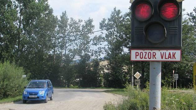 V období od 3. do 17. srpna bude kvůli opravám uzavřen železniční přejezd u motorestu Na Císařské.