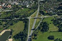 V březnu zahájí Moravskoslezský kraj ve Frýdlantu nad Ostravicí rekonstrukci mostu nacházejícího se nad čtyřproudou silnicí číslo I/56 a navazujícího mostu nad železniční tratí Frýdek-Místek – Frýdlant nad Ostravicí.