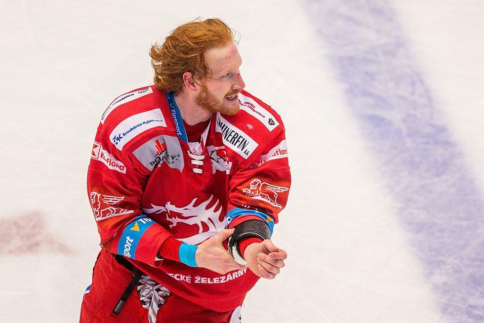 Finále play off hokejové Tipsport extraligy - 1. zápas: HC Oceláři Třinec - Bílí Tygři Liberec, 18. dubna 2021 v Třinci. Jack Rodewald z Třince.