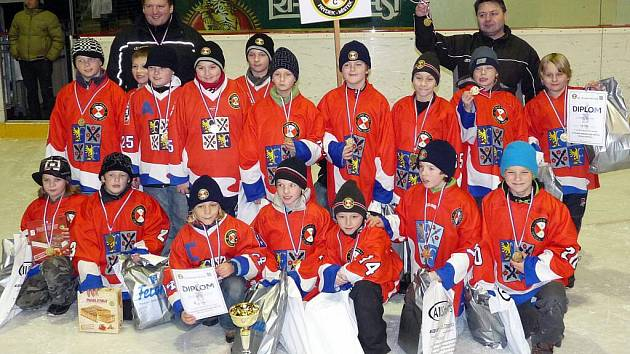 Vítězný tým mladých hokejistů Frýdku-Místku.