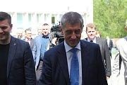 Premiér Babiš navštívil Střední odbornou školu ve Frýdku.