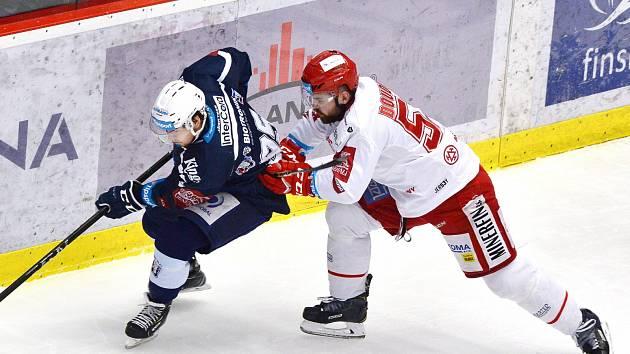 Milan Doudera (vpravo) byl rád, že si mohl zahrát zase proti Kladnu.