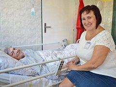 Nemocniční kaplanka Yvona Guznarová ví, že každému člověku pomůže, když může své těžkosti a obavy s někým sdílet.