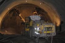 Ražení železničního tunelu v Mostech u Jablunkova.