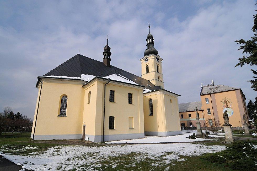 Dominantou obce je kostel sv. Jiří.