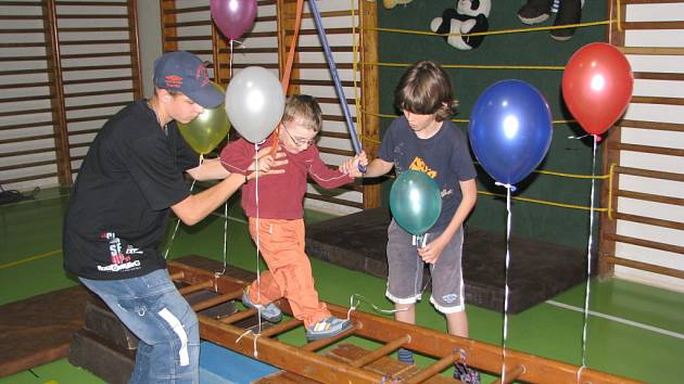V Kozlovicích u zdejší základní školy slavnostně otevřeli zbrusu nové sportovně relaxační centrum.