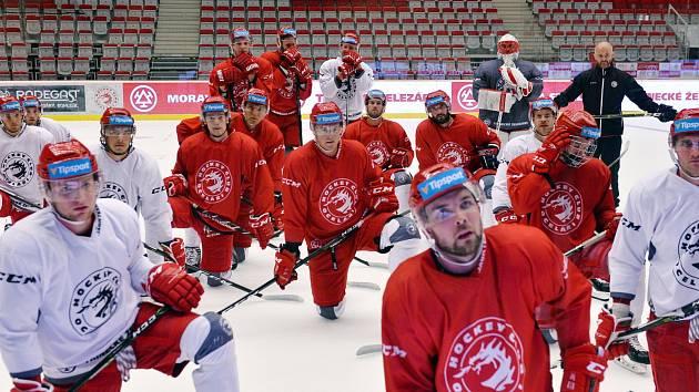 Hokejisty čeká šňůra venkovních zápasů. Werk Arena teď bude totiž patřit muzikálu Sněhurka.
