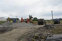 Ve frýdecko-místecké městské části Lysůvky už stavebníci začali s hloubením 150 metrů dlouhého tunelu, který bude součástí rychlostní komunikace R48.