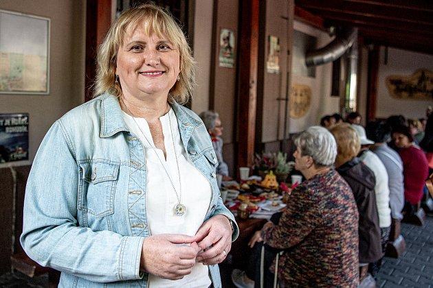 Sousedská snídaně vbaru UEmera, 4.září 2021vTřinci. Politička Pavla Golasowská (KDU-ČSL).