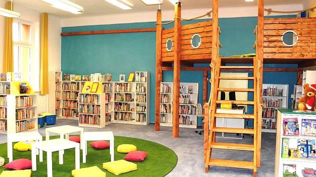Dětské oddělení knihovny v Petřvaldě se proměnilo v moře knih, ostrov a pirátskou loď. Při přestavbě myslely knihovnice i na teenagery.