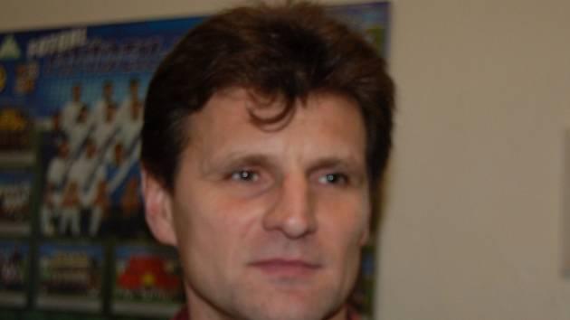 Bývalý ligový fotbalista, dnes trenér mladých fotbalistů Frýdku-Místku, Miroslav Onufer.