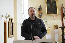 Farář Marek Kozák působí v Dobré pátým rokem.