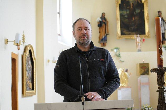 Farář Marek Kozák působí vDobré pátým rokem.