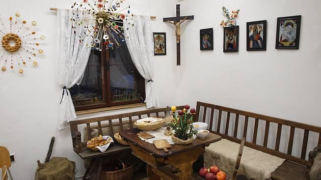 Snímky zobrazují oslavu vánočních svátku před mnoha lety.