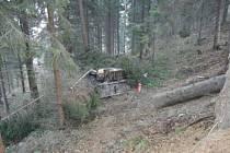Tragická nehoda lesního traktoru.