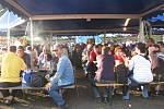 Den horníků, který se v sobotu 8. září konal na fotbalovém hřišti ve Staříči, přilákal několik tisíc lidí. Největší úspěch měla třinecká kapela Charlie Straight a Tomáš Klus.