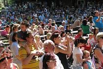 Radovánky ZŠ Jablunkov přilákaly v sobotu odpoledne davy lidí. Akce v Městském lese má ve městě obrovskou tradici.