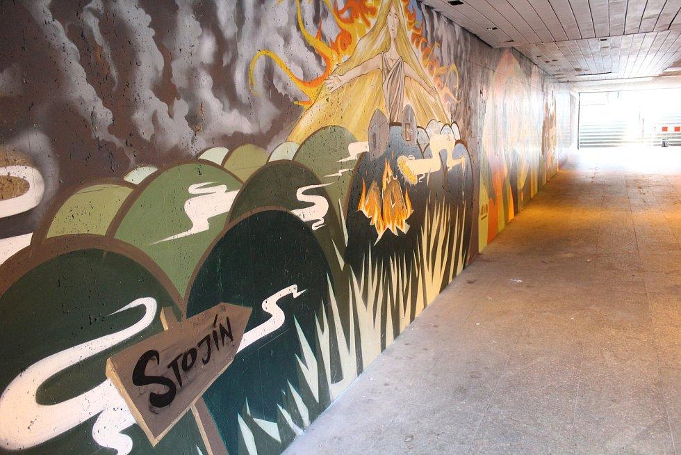 Takto sprejeři vyzdobili podchod pod Hlavní třídou v Místku. Ilustrační foto.