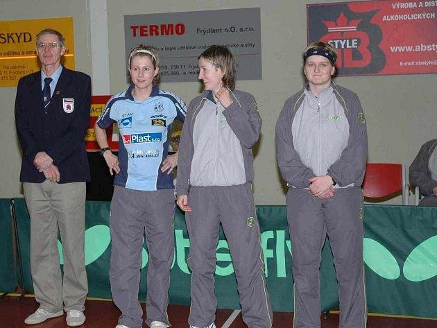 Družstvo stolních tenistek Frýdlantu nad Ostravicí. Ilustrační foto.