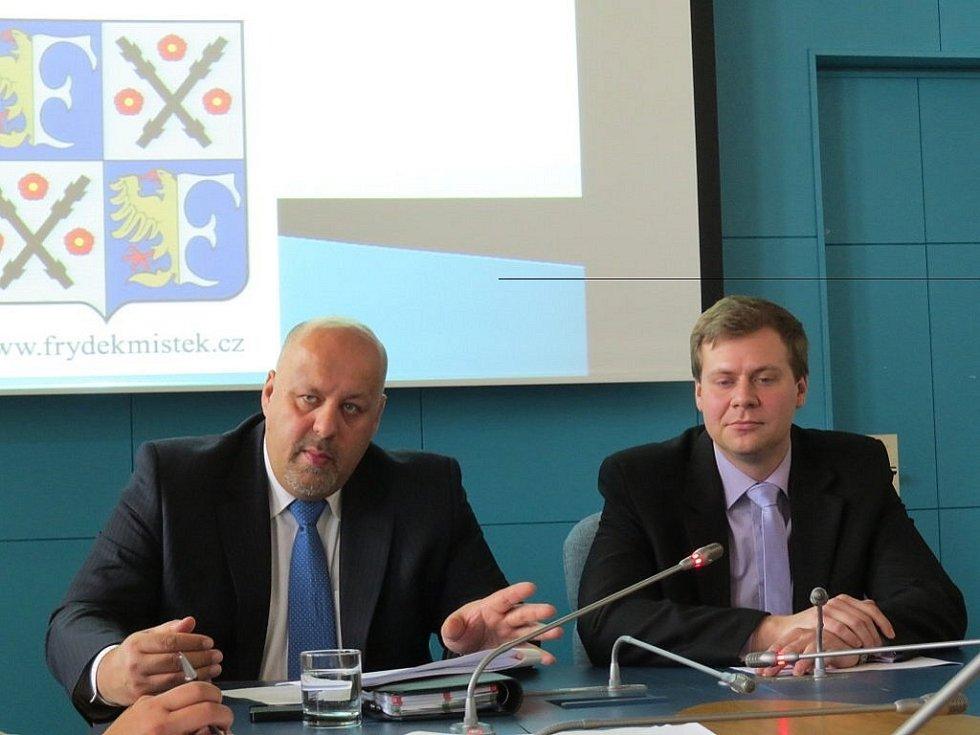 Nedávno zřízený odbor bezpečnostních rizik a prevence kriminality na frýdecko-místeckém magistrátu v pondělí 7. ledna představil svou činnost na letošní rok.