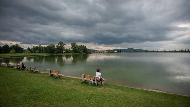 Vodní nádrž Baška na Frýdecko-Místecku.