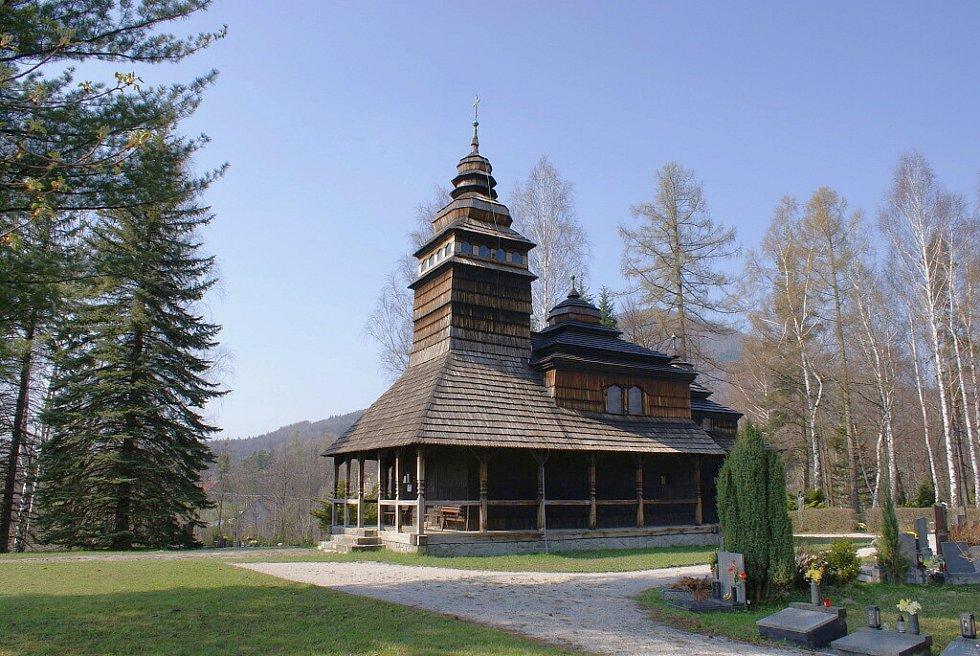 Dřevěný kostelík v Kunčicích pod Ondřejníkem.