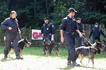 Krajský přebor služebních psů začal v pondělí 23. srpna v areálu kynologického cvičiště ve Frýdku-Místku. Slavnostní ukončení bude ve čtvrtek.