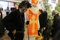 Zahrádkáři ve Frýdlantu nad Ostravicí připravili třídenní výstavu Kouzlo Vánoc. Akce začala v sobotu dopoledne, už v prvních hodinách ji navštívily stovky lidí.